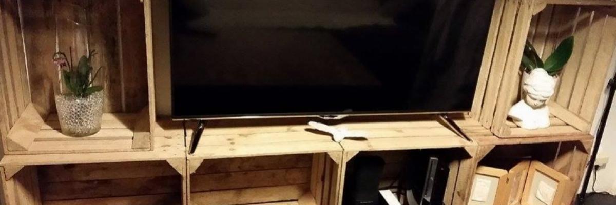 Meuble TV caisse en bois